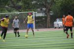 Ranbir Kapoor playing football at juhu on 7th July 2019 (62)_5d22f310d0acc.JPG