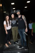 Sunny Leone, Daniel webber spotted at juhu on 7th July 2019 (9)_5d22fc02a7cd1.JPG