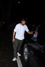 Kartik Aaryan spotted at hakkasan bandra on 8th July 2019 (1)_5d244513caf01.JPG