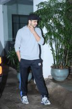 Sidharth Malhotra spotted sunny sound juhu on 8th July 2019 (2)_5d24452d0cbcf.jpg
