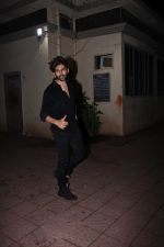 Kartik Aaryan spotted at bandra on 9th July 2019 (12)_5d2595481e38e.JPG