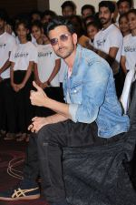 Hrithik Roshan at the promotion of film super 30 and dances with underprivileged kids from NGO Dance out of poverty on 9th July 2019 (52)_5d2595d9a4ab2.JPG