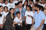 Hrithik Roshan, Mrunal Thakur at the promotion of film super 30 and dances with underprivileged kids from NGO Dance out of poverty on 9th July 2019 (11)_5d25960c0ee12.JPG
