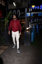 Sudeep spotted at bandra on 9th July 2019 (10)_5d2595640d90f.JPG