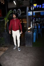 Sudeep spotted at bandra on 9th July 2019 (9)_5d25956271721.JPG