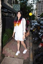 Adah Sharma spotted at Bombay salad in bandra on 18th July 2019 (10)_5d3169b88aa1f.JPG