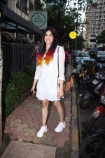 Adah Sharma spotted at Bombay salad in bandra on 18th July 2019 (11)_5d3169ba43477.JPG