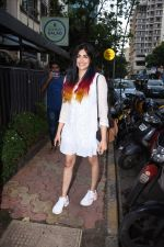 Adah Sharma spotted at Bombay salad in bandra on 18th July 2019 (13)_5d3169bf27b70.JPG