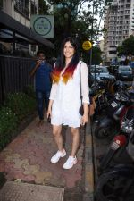 Adah Sharma spotted at Bombay salad in bandra on 18th July 2019 (15)_5d3169c4ac32e.JPG