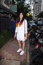 Adah Sharma spotted at Bombay salad in bandra on 18th July 2019 (17)_5d3169caca0a1.JPG