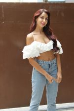 Nora Fatehi Spotted Of T Series Office For Promote Film Batla House on 18th July 2019 (16)_5d316a557ff3c.JPG