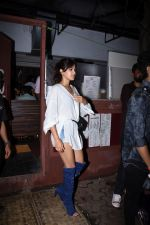 Rhea Chakraborty spotted at bandra on 18th July 2019 (36)_5d3176163521e.JPG