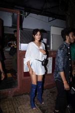 Rhea Chakraborty spotted at bandra on 18th July 2019 (37)_5d3176179b364.JPG