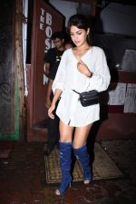 Rhea Chakraborty spotted at bandra on 18th July 2019 (40)_5d31761d5a2a5.JPG