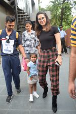 Sunny Leone with kids & husband spotted at play school in juhu on 18th July 2019 (16)_5d316baa362d8.JPG