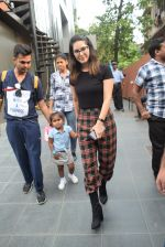 Sunny Leone with kids & husband spotted at play school in juhu on 18th July 2019 (17)_5d316baeb8d5d.JPG