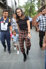 Sunny Leone with kids & husband spotted at play school in juhu on 18th July 2019 (18)_5d316bb13ba5c.JPG