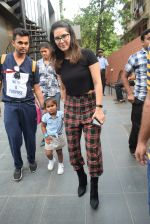Sunny Leone with kids & husband spotted at play school in juhu on 18th July 2019 (19)_5d316bb431611.JPG