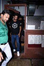 Sushant Singh Rajput spotted at bandra on 18th July 2019 (25)_5d3176275cf6a.JPG