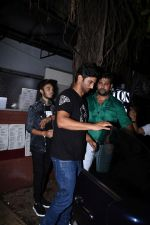 Sushant Singh Rajput spotted at bandra on 18th July 2019 (41)_5d3176417b364.JPG