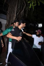 Sushant Singh Rajput spotted at bandra on 18th July 2019 (42)_5d317642df601.JPG