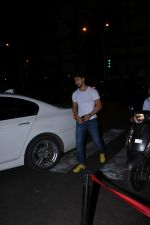 Tiger Shroff & Disha Patani spotted at Bastian Bandra on 18th July 2019 (4)_5d316b9bb3347.JPG