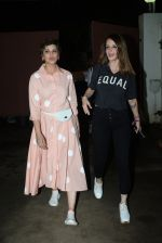 Sonali Bendre, Suzanne Khan at the screening of Zee5_s original Rejctx in sunny sound juhu on 25th July 2019 (42)_5d3aaacf42a42.JPG