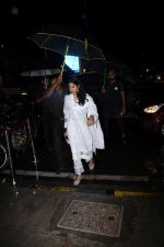 Janhvi Kapoor spotted at Bastian Bandra on 27th July 2019 (35)_5d3e9ef5188ee.JPG