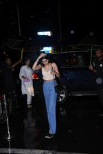 Khushi Kapoor spotted at Bastian Bandra on 27th July 2019 (29)_5d3e9f147b11f.JPG
