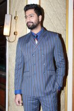 Vicky Kaushal at the red carpet of NBT Utsav Awards 2019 in Taj Lands End on 27th July 2019 (16)_5d3ea736bd725.jpg