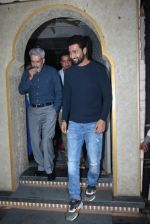 Vicky Kaushal_s family spotted at bayroute in juhu on 28th July 2019 (7)_5d3ea7859b340.JPG
