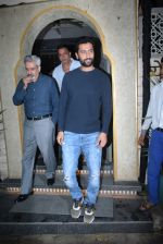 Vicky Kaushal_s family spotted at bayroute in juhu on 28th July 2019 (8)_5d3ea7882b776.JPG