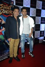 Bhushan Kumar, Varun Dhawan at the Wrap up party of film Street Dancer at andheri on 30th July 2019 (134)_5d414cb75f7c8.JPG