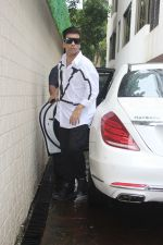 Karan Johar at prayer meet of  Kaykasshan Patel_s husband Areef Patel at his house in bandra  on 30th July 2019 (82)_5d414bd0cca31.jpg