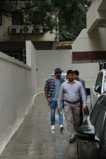 Ranbir Kapoor spotted at dharma office bandra on 31st July 2019 (1)_5d429446b0d2d.JPG