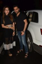 Shekhar Ravjiani & Kanika Kapoor spotted at Bastian in bandra on 31st July 2019 (9)_5d429511eafb7.jpg