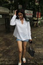 Shamita Shetty spotted at juhu on 1st Aug 2019 (27)_5d43e66f09ee5.JPG