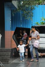 Sunny Leone with kids spotted at juhu on 1st Aug 2019 (39)_5d43e65d361bd.JPG