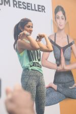 Shilpa Shetty conducts a yoga event at Phoenix lower parel on 4th Aug 2019 (4)_5d47d69ea57fd.JPG