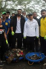 Arjun Kapoor will be flagging off the 2nd edition of the Beach clean up drive at Carter Road in Mumbai on Sunday on 4th Aug 2019 (11)_5d47d525df0b8.jpg