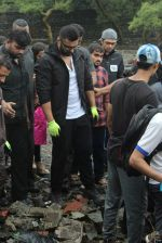 Arjun Kapoor will be flagging off the 2nd edition of the Beach clean up drive at Carter Road in Mumbai on Sunday on 4th Aug 2019 (13)_5d47d52936725.jpg
