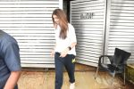 Shweta Bachchan spotted at Zoya Akhtar_s house in bandra on 4th Aug 2019 (14)_5d47d4a1ebfb1.JPG