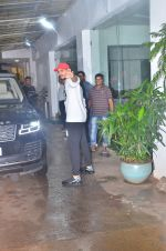 Sidharth Malhotra spotted at sunny sound juhu on 3rd Aug 2019 (1)_5d47d42e9f4ff.JPG