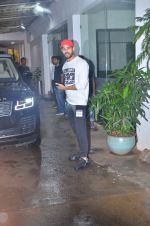Sidharth Malhotra spotted at sunny sound juhu on 3rd Aug 2019 (7)_5d47d44b4151e.JPG