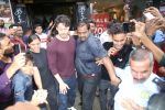 Tiger Shroff spotted at Bastain on 4th Aug 2019 (25)_5d47d510bcef5.jpg