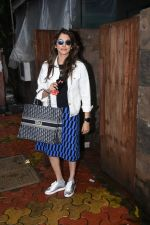 Isha Koppikar spotted at indigo in bandra on 5th Aug 2019 (10)_5d4929d932dc4.JPG