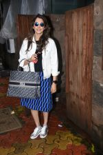 Isha Koppikar spotted at indigo in bandra on 5th Aug 2019 (11)_5d4929dada807.JPG