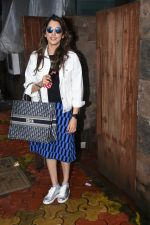 Isha Koppikar spotted at indigo in bandra on 5th Aug 2019 (12)_5d4929dc8ad1d.JPG