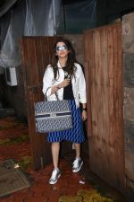 Isha Koppikar spotted at indigo in bandra on 5th Aug 2019 (4)_5d4929cea8b21.JPG