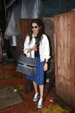 Isha Koppikar spotted at indigo in bandra on 5th Aug 2019 (6)_5d4929d24052c.JPG